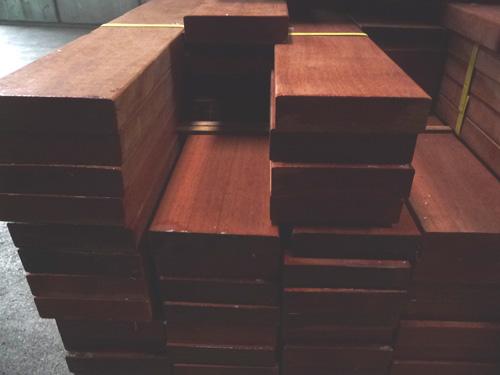 マニルカラトーレムウッドデッキ30mm厚フラット商品写真